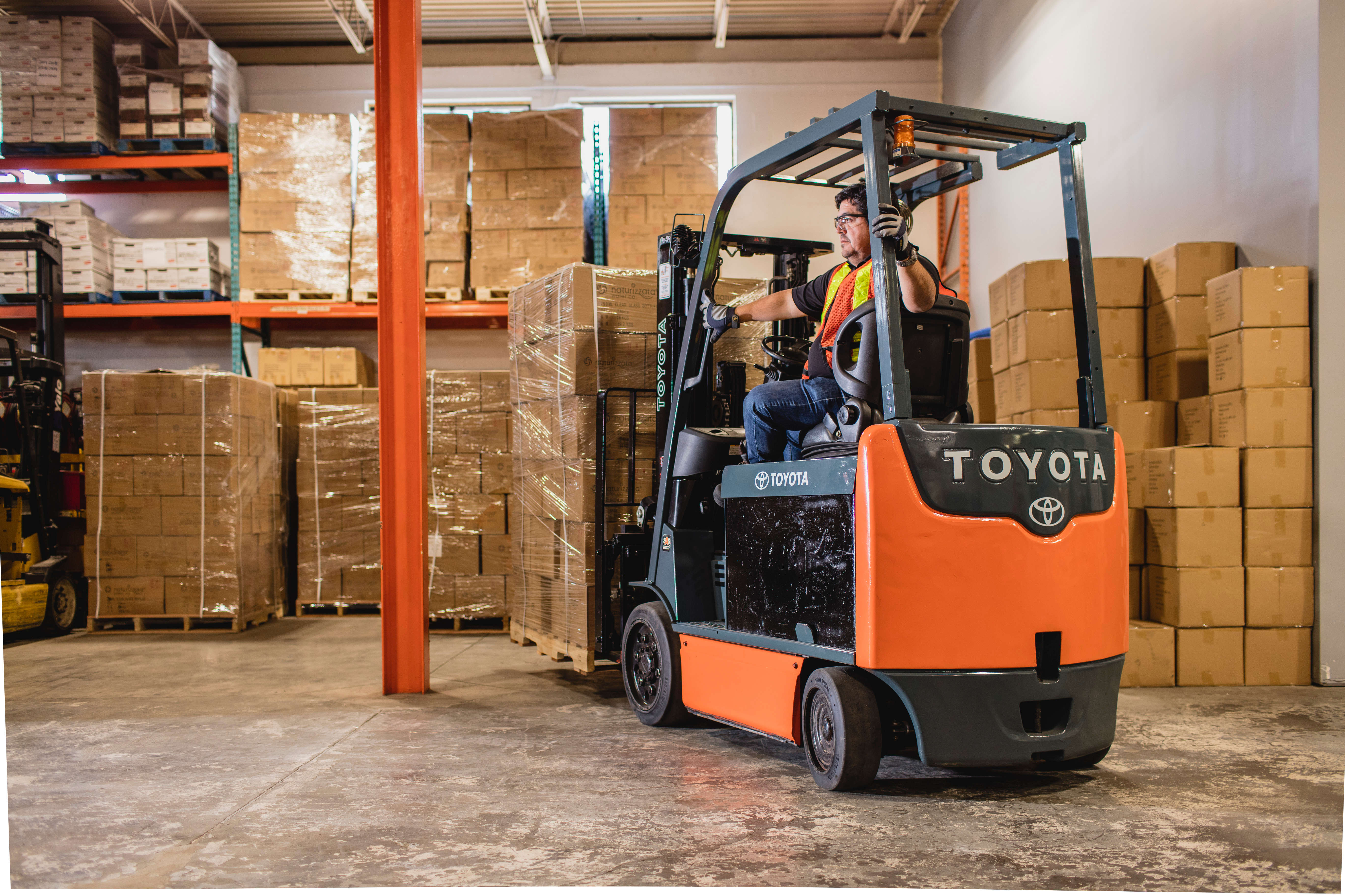 Essential considerations for proper forklift tire selection